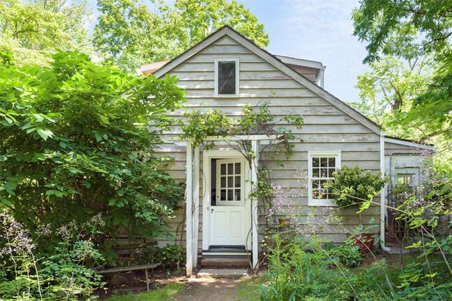 Khu vườn nhỏ xanh tươi bên ngôi nhà rêu phong cũ kỹ chỉ nhìn thôi đã thấy yên bình  - Ảnh 5.