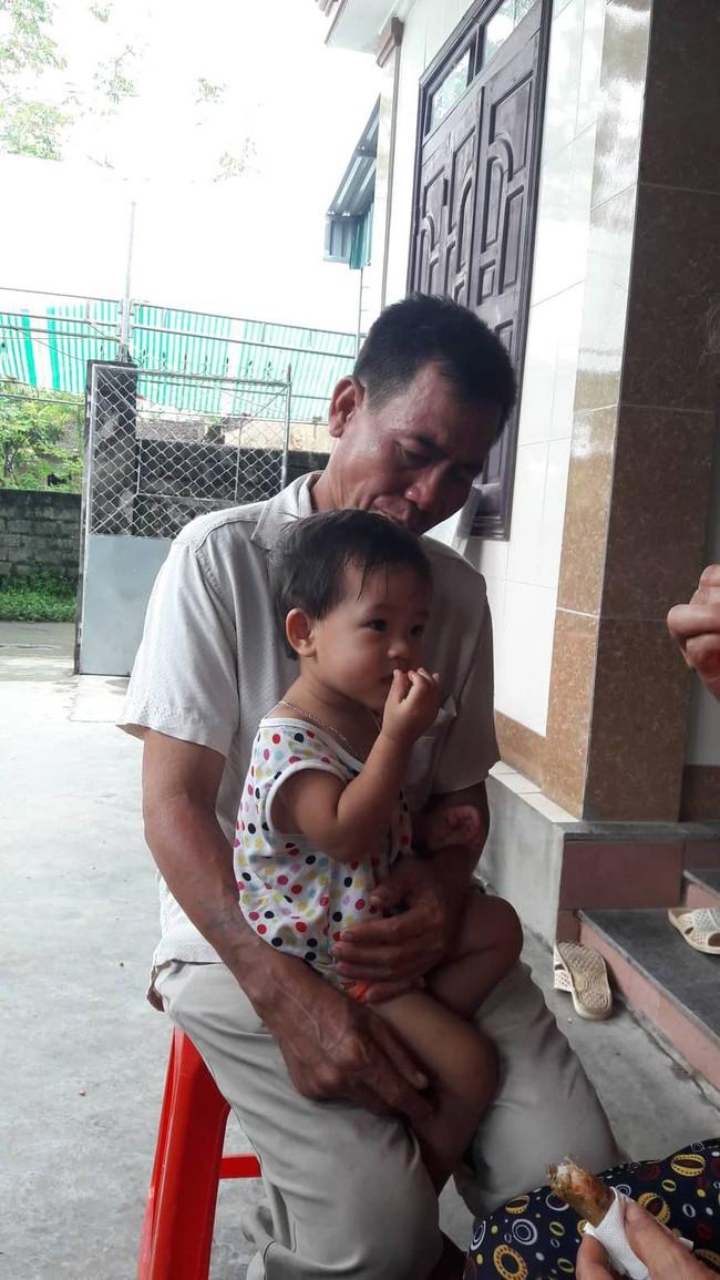 Vụ 3 người trong gia đình thương vong, nghi bị ngộ độc thức ăn tại Đà Nẵng: Chuyến đi định mệnh và ngày về đẫm nước mắt - Ảnh 3.