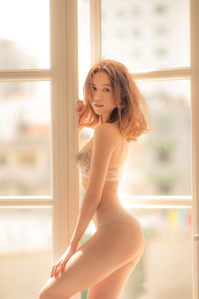 Ngọc Trinh tung ảnh bán nude, cư dân mạng lên tiếng chỉ trích phản cảm, rẻ tiền - Ảnh 2.