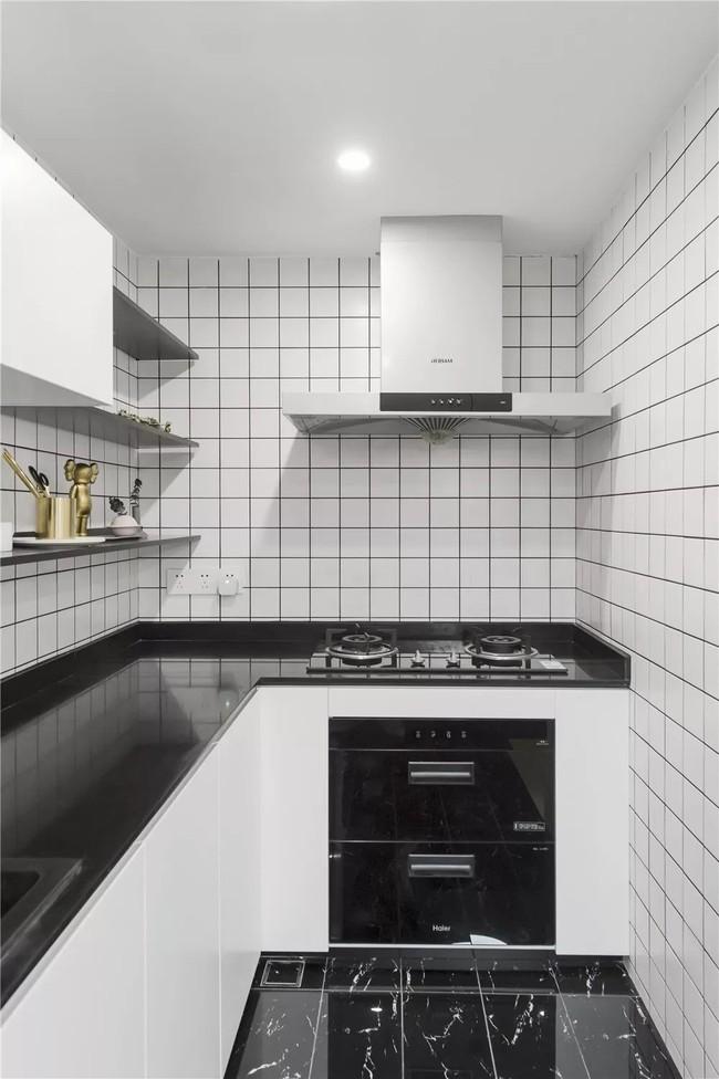 Ngôi nhà cổ 30m² trong ngõ nhỏ được bố và con trai yêu nghệ thuật tự tay thiết kế lại, hoàn hảo đến từng mét vuông - Ảnh 10.