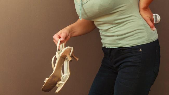 Điều gì xảy ra với cơ thể bạn khi bạn ngừng ngay việc đi giày cao gót ngày này qua ngày khác? - Ảnh 4.
