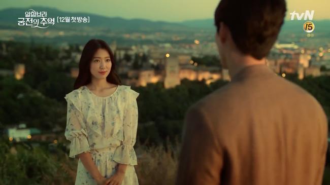 Fan ngây ngất trước hình ảnh Hyun Bin - Park Shin Hye lãng mạn, bí ẩn trong teaser phim mới - Ảnh 1.