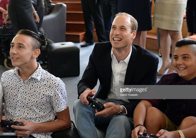 Đây chính là những bức ảnh chứng minh rằng cho dù bạn là Công nương, Hoàng tử hay Nữ Hoàng thì vẫn chỉ là những người vô cùng bình thường - Ảnh 12.