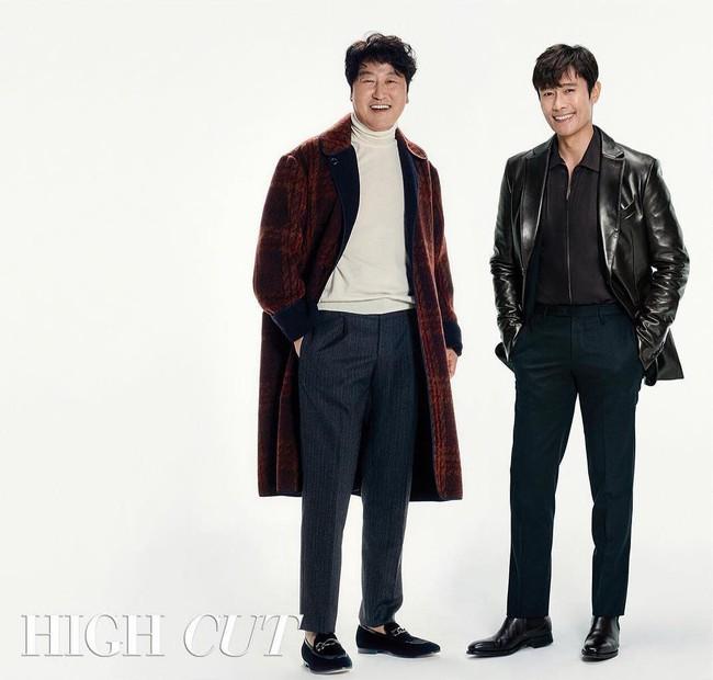 Hình tạp chí khủng nhất: Cặp đôi phim 600 tỉ Lee Byung Hun và Kim Tae Ri tái hợp, mỹ nam EXO vinh dự lộ diện - Ảnh 2.