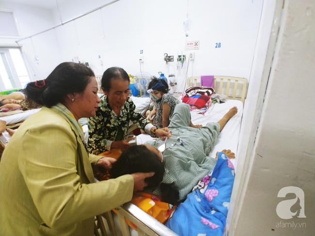"""Nữ dược sĩ bị nhiễm độc gan nặng, sinh song thai rồi nguy kịch: """"Chỉ mong được sống trở về nhìn mặt các con"""" - Ảnh 4."""