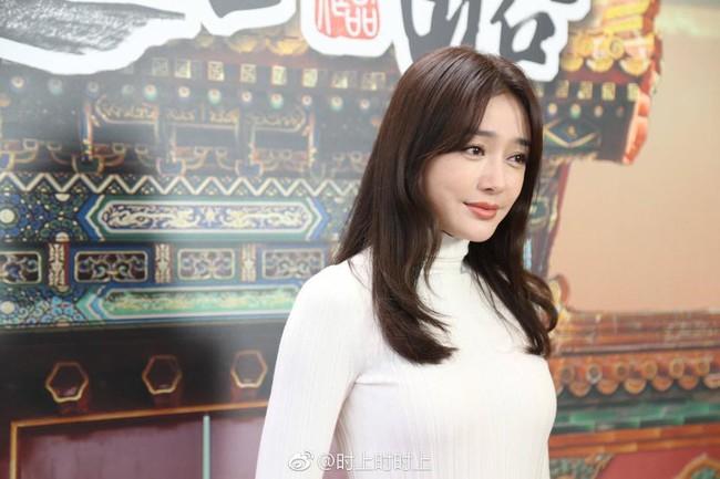 Cùng là U40: Phú sát Hoàng hậu Tần Lan mặc chất nhưng mặt đơ còn kế Hậu Xa Thi Mạn bánh bèo lại tỏa sáng - Ảnh 6.