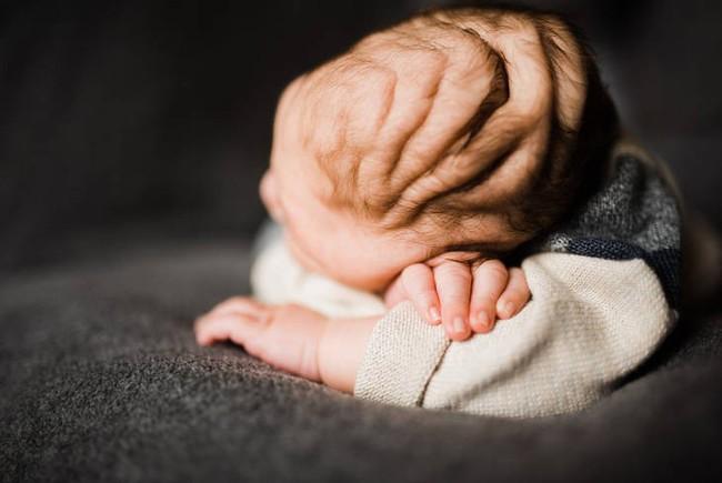 Tưởng thai bị chết lưu, bé trai chào đời trong sự kinh ngạc tột độ của mọi người - Ảnh 2.