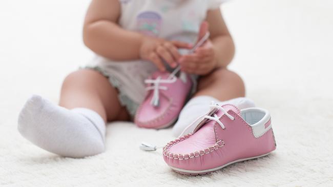 Những đồ dùng cho bé tưởng là hay nhưng hóa ra chỉ đốt ví của các mẹ nuôi con nhỏ - Ảnh 8.
