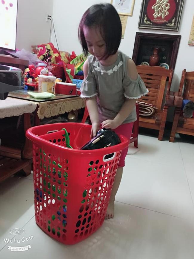 Tự đưa mình vào tình huống bận rộn - chiêu dạy con làm việc nhà đâu ra đấy của mẹ Đà Nẵng - Ảnh 3.