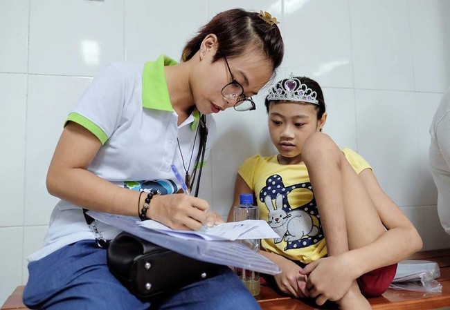 Rơi nước mắt với mẩu chuyện nhỏ của mẹ còi Mai Anh về em bé người Mông, 9 tháng tuổi đã bị khuyết vùng kín giống Thiện Nhân - Ảnh 8.