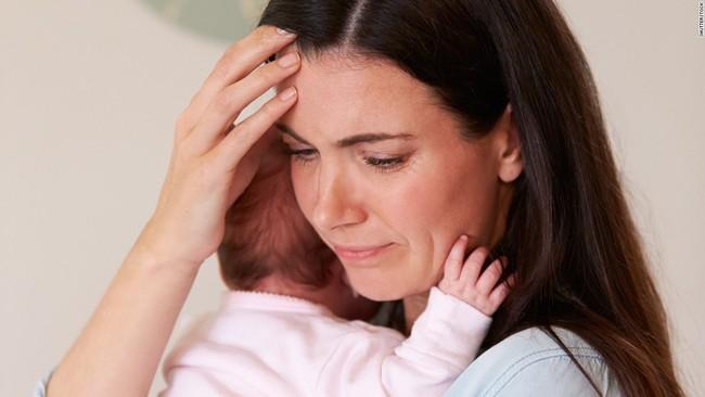 Những trạng thái trầm cảm sau sinh và cách xử trí - Ảnh 2.