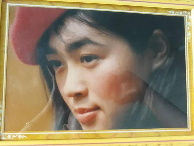 Cô nàng khoe ảnh mẹ và dì đẹp như minh tinh, tự nhận mình là con rơi vì không giống ai - Ảnh 2.