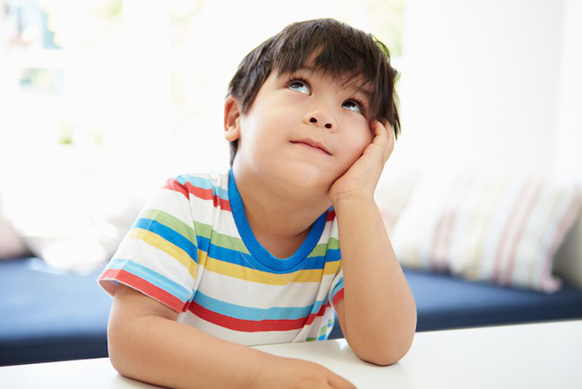 Theo phương pháp Montessori thì đây là 10 việc nên để con tự làm   - Ảnh 10.