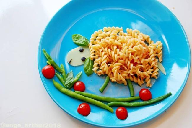 Con kể chuyện gì, mẹ Việt ở Pháp trang trí món ăn tuyệt đẹp theo chủ đề đó - Ảnh 5.