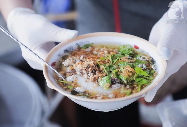 8 món ăn vặt kinh điển ngon nhất khi thưởng thức vào mùa lạnh ở Hà Nội - Ảnh 9.