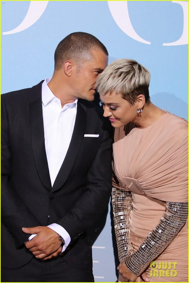 Orlando Bloom 41 tuổi vẫn quá phong độ, khiến bạn gái Katy Perry mải ngắm nhìn tại sự kiện - Ảnh 3.