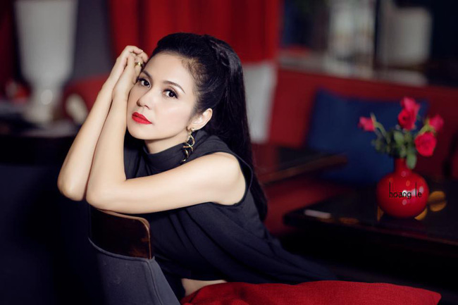 Người đẹp Tây Đô Việt Trinh và ngôi nhà an yên bên khu vườn ngập tràn rau trái - Ảnh 1.