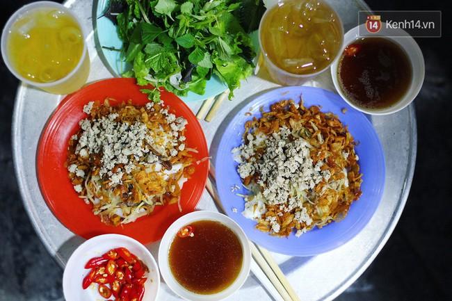 Món ăn mà ở Hà Nội chỉ có một hàng duy nhất và chỉ bán đúng 3 tối cuối tuần, còn không tranh thủ ngay thôi! - Ảnh 1.