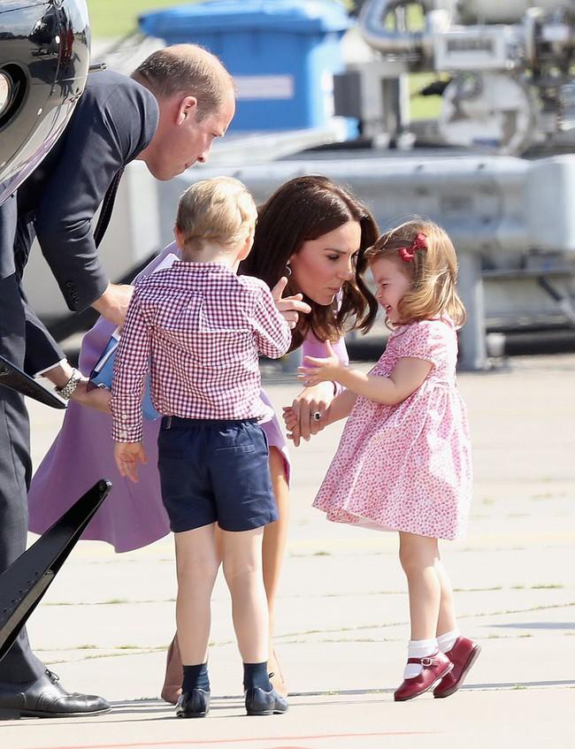 Đây là việc Công nương Kate Middleton luôn làm mỗi khi con mè nheo, cáu gắt và nó thực sự hiệu quả - Ảnh 11.