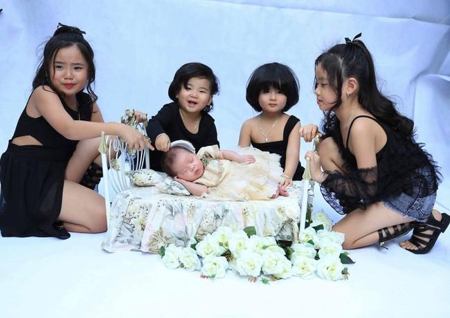 28 tuổi đã sinh 5 cô con gái, mẹ trẻ dành cả thanh xuân để đẻ chia sẻ niềm vui đông con ai cũng ngưỡng mộ - Ảnh 8.