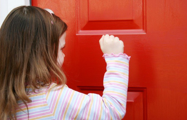 10 phép lịch sự tối thiểu bố mẹ cần dạy con từ nhỏ để đứa trẻ không trở thành người kém duyên trong tương lai - Ảnh 4.