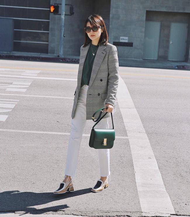 15 cách biến hóa với áo blazer chuẩn thời thượng mà các nàng sẽ muốn diện suốt cả mùa Thu/Đông này - Ảnh 2.