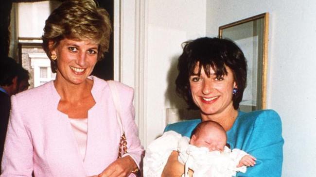 Lần đầu công bố bức ảnh hiếm hoi về Công nương Diana trong những ngày cuối đời và câu chuyện ý nghĩa đằng sau khiến ai cũng cảm động - Ảnh 2.