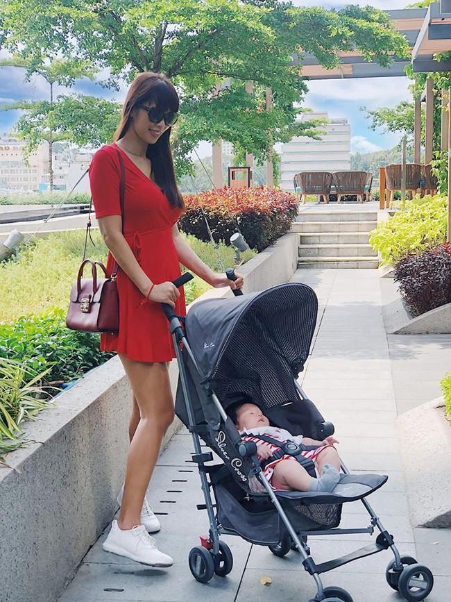 Không thuê vú em mà dậy từ 5 giờ sáng để chăm con, siêu mẫu Hà Anh vẫn không trầm cảm sau sinh là vì điều này - Ảnh 4.