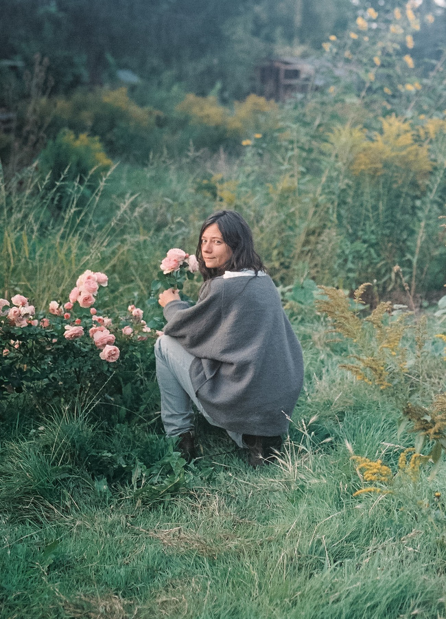 Thăm khu vườn bình yên bên hoa lá rộng 25.000m² và ngôi nhà bình dị của cô gái độc thân ở vùng nông thôn  - Ảnh 11.