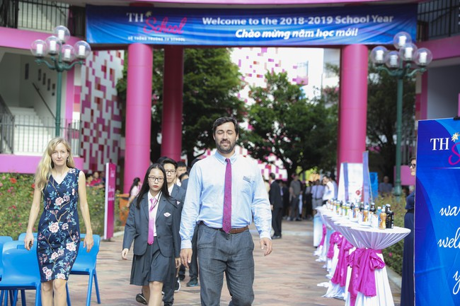 Buổi lễ khai giảng đẳng cấp, ngập sắc hồng của TH School - ngôi trường quốc tế hiện đại nhất thủ đô Hà Nội - Ảnh 10.