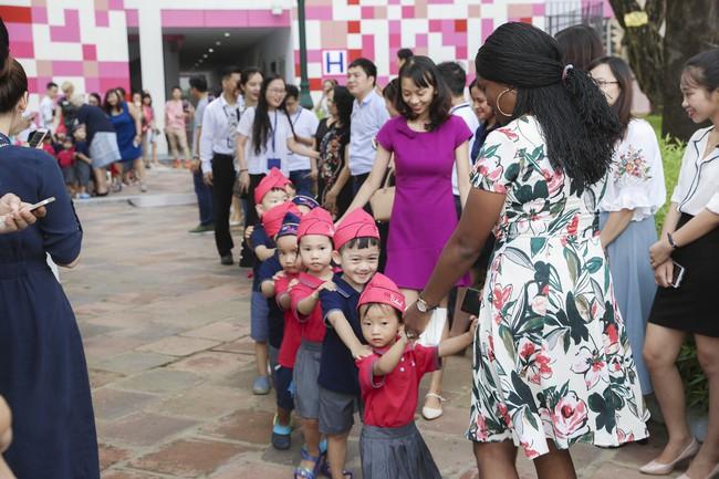Buổi lễ khai giảng đẳng cấp, ngập sắc hồng của TH School - ngôi trường quốc tế hiện đại nhất thủ đô Hà Nội - Ảnh 15.