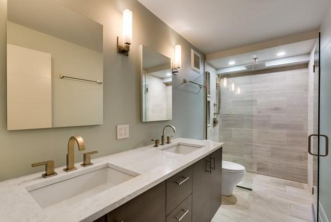 Lý do khiến không gì có thể thay thế được chiếc vòi hoa sen trong phòng tắm gia đình - Ảnh 1.