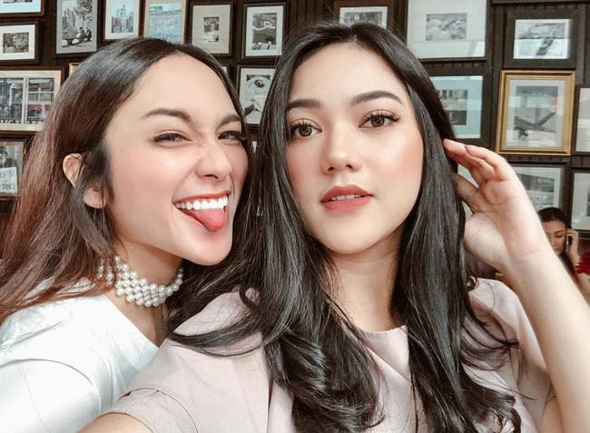 Cuộc sống sang chảnh của cặp bạn thân blogger xinh đẹp, nổi tiếng hàng đầu Indonesia - Ảnh 3.