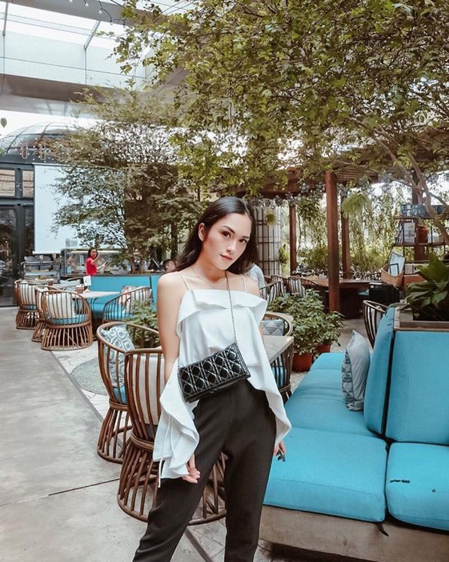 Cuộc sống sang chảnh của cặp bạn thân blogger xinh đẹp, nổi tiếng hàng đầu Indonesia - Ảnh 9.
