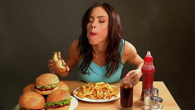 7 thói quen ăn uống dễ gây bệnh ung thư hầu hết ai cũng mắc phải: Ngay từ hôm nay, hãy tránh xa còn kịp! - Ảnh 3.