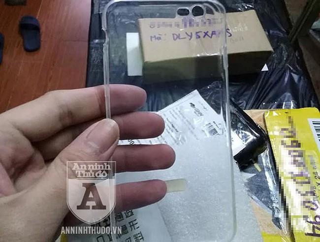 Cận cảnh những món đồ lừa đảo siêu lợi nhuận kiểu... một kẹp giấy đổi 79.000 đồng - Ảnh 11.