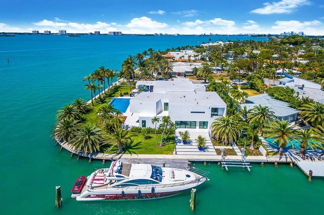 Đẳng cấp thế giới như khu nhà giàu: Nhà ven sông thôi cũng trị giá đến 215 tỷ đồng  - Ảnh 1.