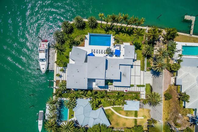 Đẳng cấp thế giới như khu nhà giàu: Nhà ven sông thôi cũng trị giá đến 215 tỷ đồng  - Ảnh 2.
