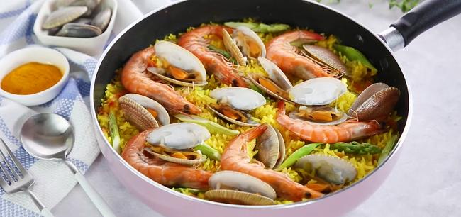 Học người Ý cách nấu cơm hải sản ngon ngất ngây ăn 1 lần là mê say - Ảnh 6.