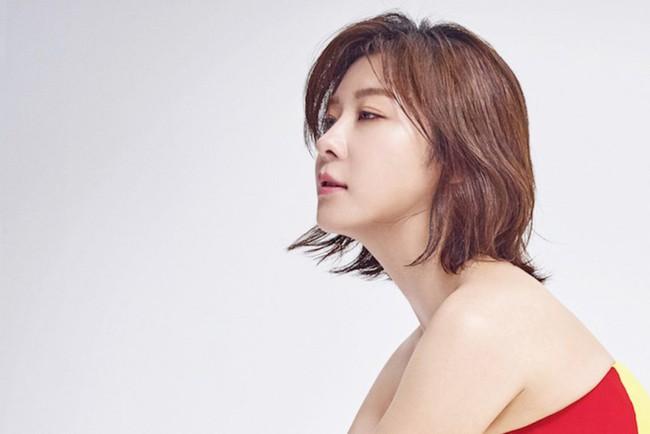 Ha Ji Won khiến khán giả choáng váng khi mới bỏ vai phim này đã vội nhận ngay phim khác - Ảnh 2.
