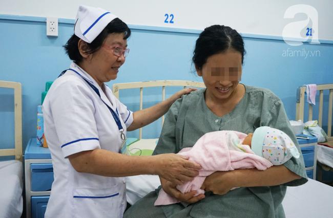 10 kỹ thuật y tế nổi bật năm 2018 tại TP. HCM: Gấu ngủ đông cứu Việt kiều, phẫu thuật robot cứu mạng thai phụ - Ảnh 9.