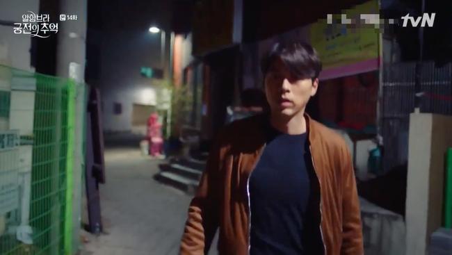 Hết hôn dưới mưa, Hyun Bin lại rủ Park Shin Hye hôn nhau trong... phòng thay đồ - Ảnh 4.