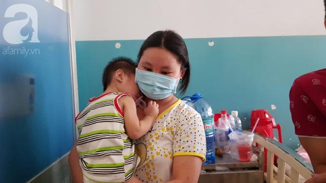Hàng loạt thai phụ, trẻ nhỏ bị sởi rồng rắn nhập viện tại TP.HCM: Tăng gấp 50 lần, nhiều trường hợp không chích ngừa - Ảnh 5.