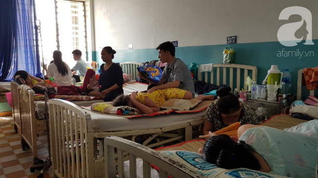 Hàng loạt thai phụ, trẻ nhỏ bị sởi rồng rắn nhập viện tại TP.HCM: Tăng gấp 50 lần, nhiều trường hợp không chích ngừa - Ảnh 4.