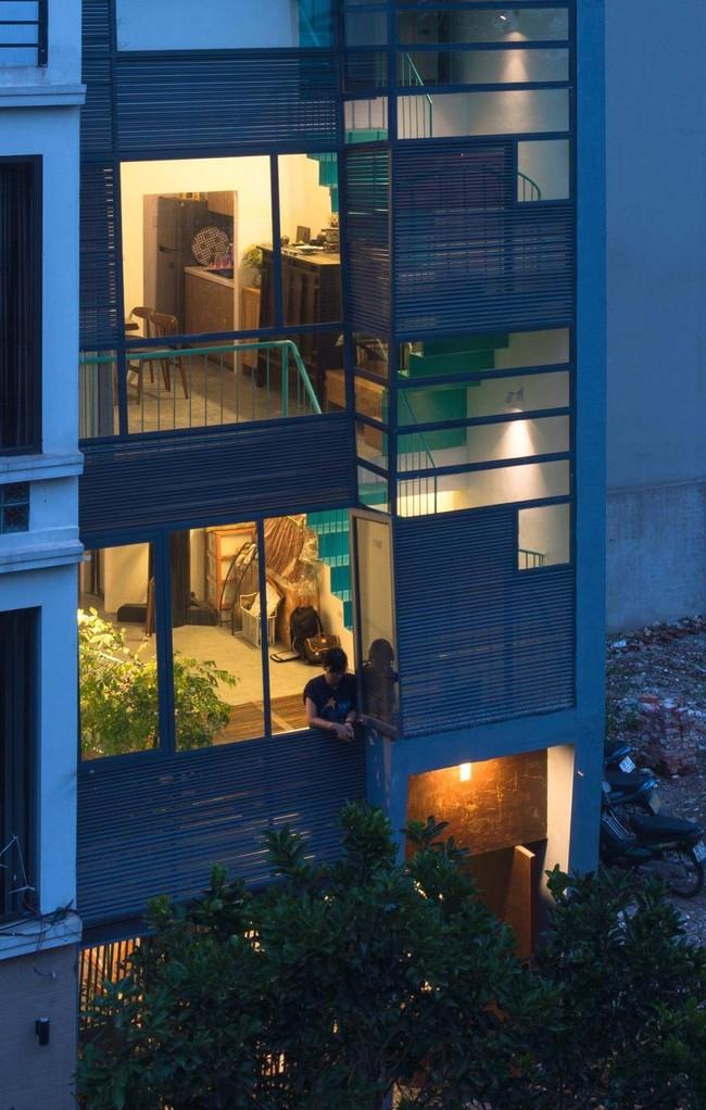 Ngôi nhà ống chỉ  vỏn vẹn 36m² nhưng thoáng đẹp bất ngờ của gia đình có trẻ nhỏ ở Gia Lâm, Hà Nội - Ảnh 2.