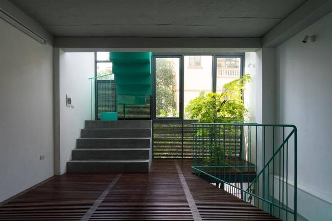 Ngôi nhà ống chỉ  vỏn vẹn 36m² nhưng thoáng đẹp bất ngờ của gia đình có trẻ nhỏ ở Gia Lâm, Hà Nội - Ảnh 5.