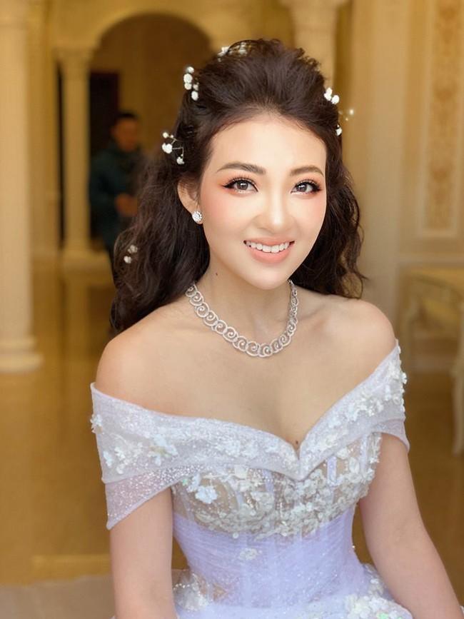 Nhan sắc lộng lẫy, gia thế đáng gờm của cô dâu sống trong lâu đài, đám cưới ngập vàng ở Nam Định - Ảnh 7.