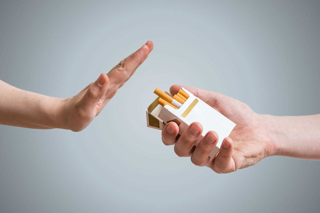 Người đàn ông được phát hiện ung thư phổi sau 10 ngày ho khan, cảnh báo dấu hiệu sớm của bệnh phải cẩn trọng - Ảnh 3.
