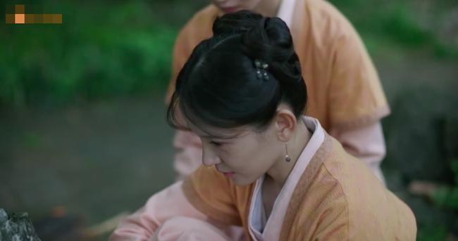 Muốn lấy chồng giàu, chị gái Triệu Lệ Dĩnh giả làm người hầu, trốn nhà đi gặp trai trẻ  - Ảnh 3.