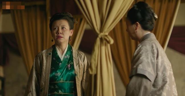 Muốn lấy chồng giàu, chị gái Triệu Lệ Dĩnh giả làm người hầu, trốn nhà đi gặp trai trẻ  - Ảnh 9.